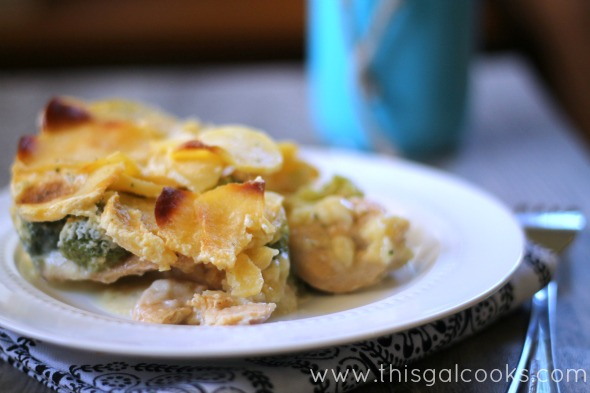 Au Gratin Chicken & Broccoli Casserole from www.thisgalcooks.com #casserole #chicken #broccoli 2wm