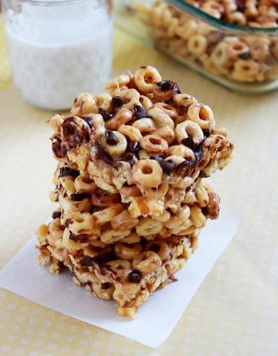 PB-Cheerios-Treat-from-ItBakesMeHappy