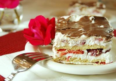Strawberry Ice Box Cake 1