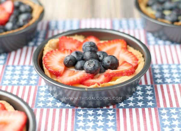 Fresh Fruit and Cream Tarts {Dairy Free} from www.thisgalcooks.com #tarts #dairyfree 2WM