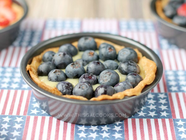 Fresh Fruit and Cream Tarts {Dairy Free} from www.thisgalcooks.com #tarts #dairyfree 3WM