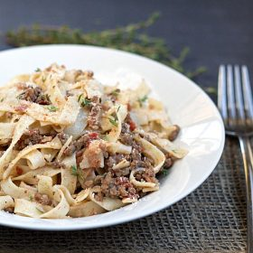 Easy Bolognese Sauce with Egg Fettuccine by www.thisgalcooks.com #fettuccine #bolognesesauce #easydinners