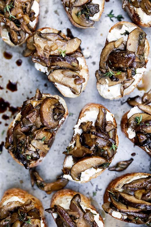 Mushroom-Goat-Cheese-Crostini-Pin-2