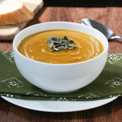 Roasted-Autumn-Squash-Soup_1