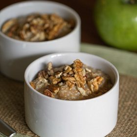 Apple Pie Oatmeal - This Gal Cooks #vegan #breakfast #dairyfree