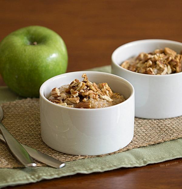 Apple Pie Oatmeal - This Gal Cooks #vegan #breakfast #dairyfree