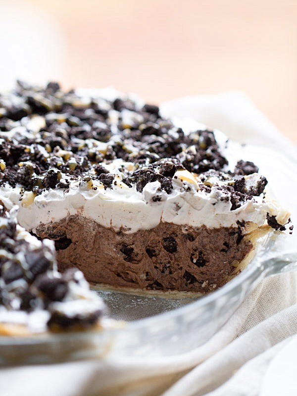 ... and Cream Chocolate Pudding Pie on This Gal Cooks #dessert #nobake
