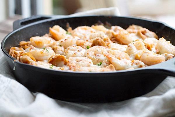 Easy Italian Shrimp Tortellini Bake on This Gal Cooks #dinner