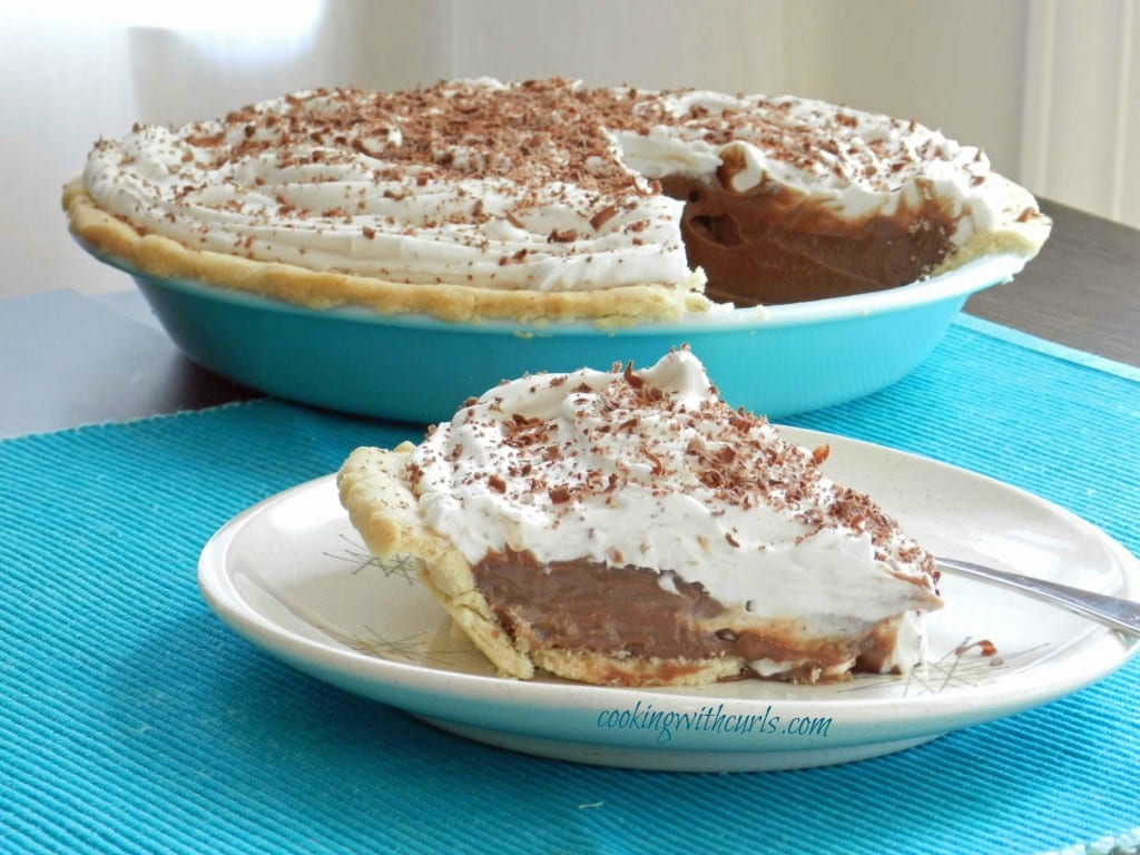 Chocolate Cream Pie cookingwithcurls.com