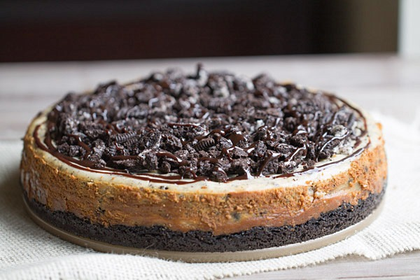 Peanut Butter Oreo Cheesecake on This Gal Cooks