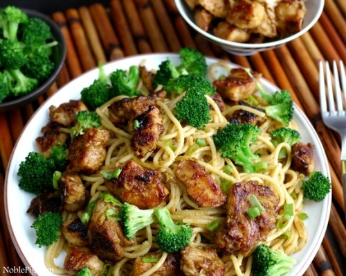 Noble-Pig-Sticky-Asian-Chicken-Spaghetti
