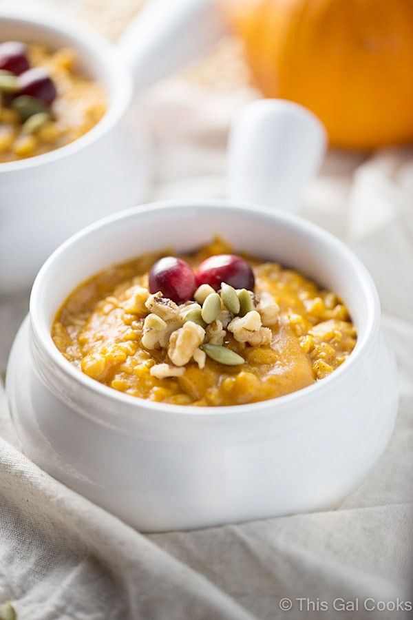 Pumpkin Pie Oatmeal is a healthy, hearty breakfast that's full of flavor.   This Gal Cooks