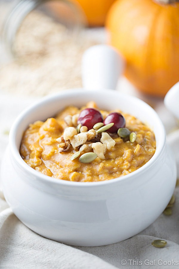 Pumpkin Pie Oatmeal is a healthy, hearty breakfast that's full of flavor. | This Gal Cooks