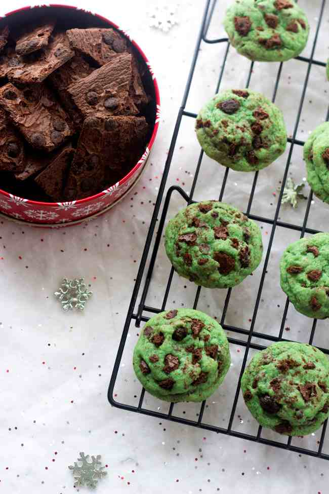 Mint-Chocolate-chip-cookies-photo