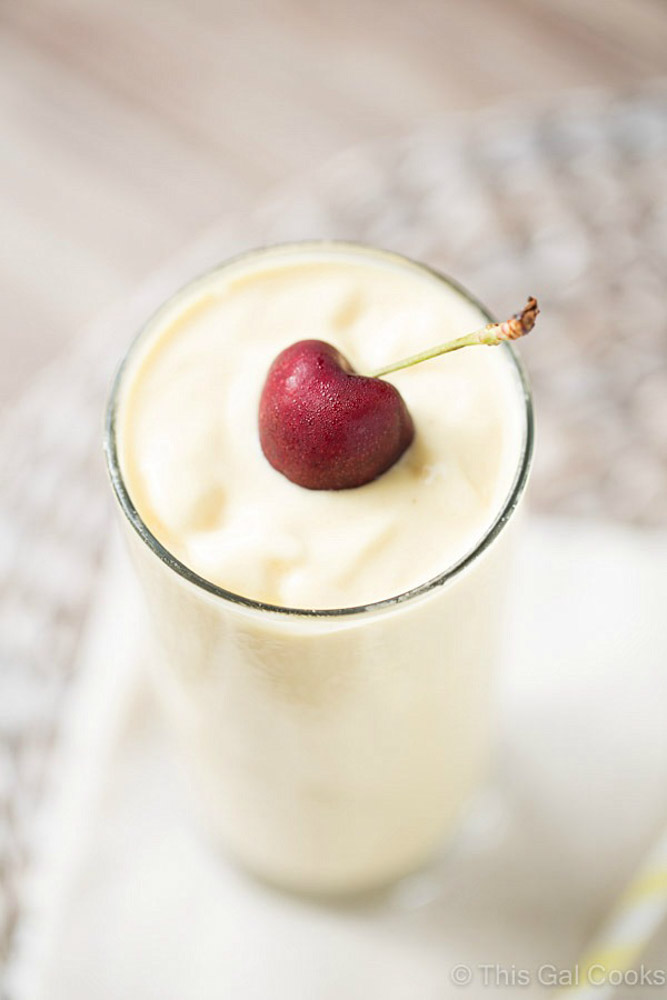 Pina Colada Smoothie with Mango