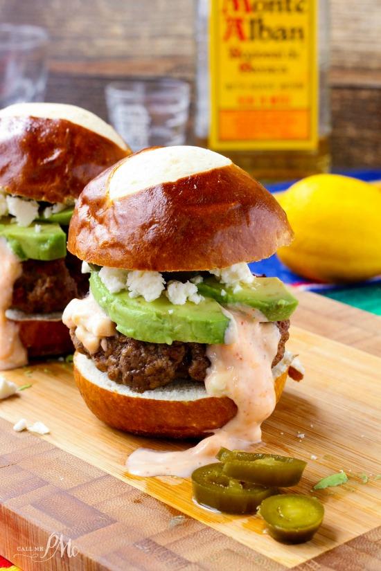 Chorizo-Beef-Sliders-Burgers-with-Sriracha-Mayo-2w