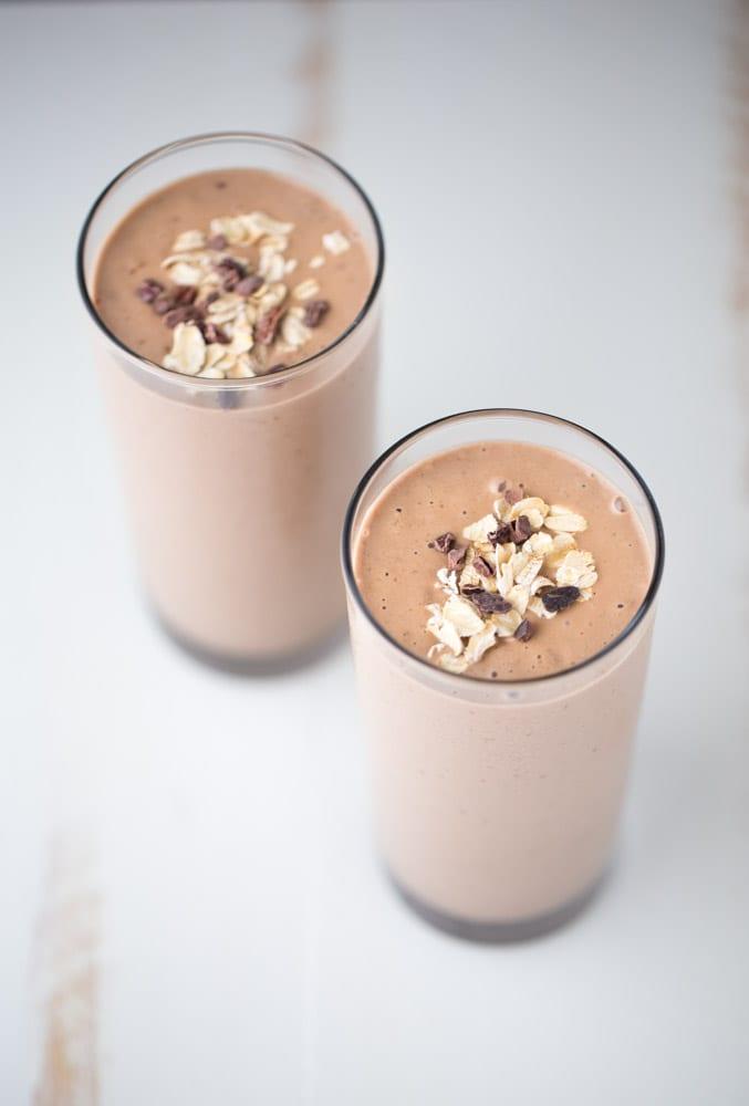 Chocolate Peanut Butter Smoothie (superfoods + vegan)