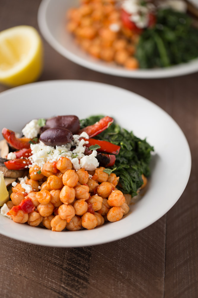 These simple and delicious Mediterranean Vegetarian Rice Bowls are a great healthy meal option. Perfect for Meatless Monday lunch or dinner. @smallgreenkitch