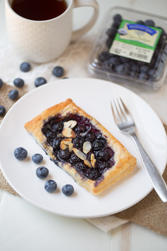 Blueberry Brie Pastry Tarts | This Gal Cooks #EatTheRainbow