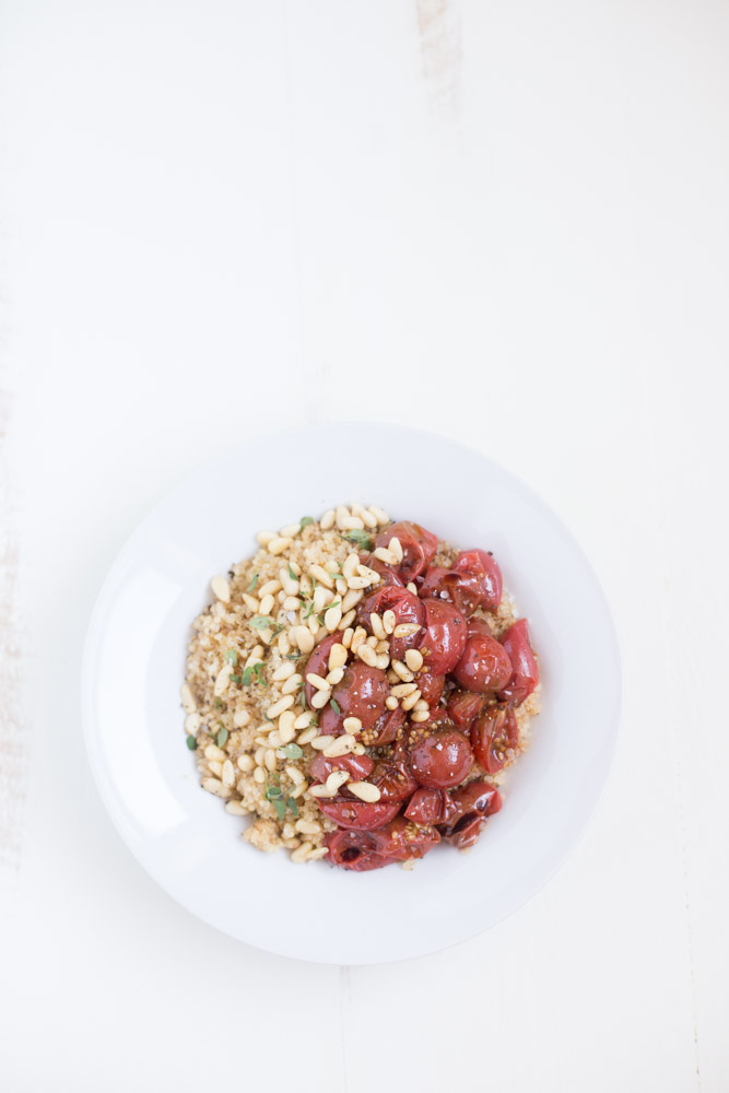 Quick Quinoa Bowl with roasted tomatoes, pine nuts and fresh thyme