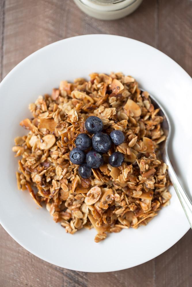 Over 40 Meatless Breakfast Recipes (vegan + vegetarian recipes) | Small Green Kitchen @smallgreenkitch