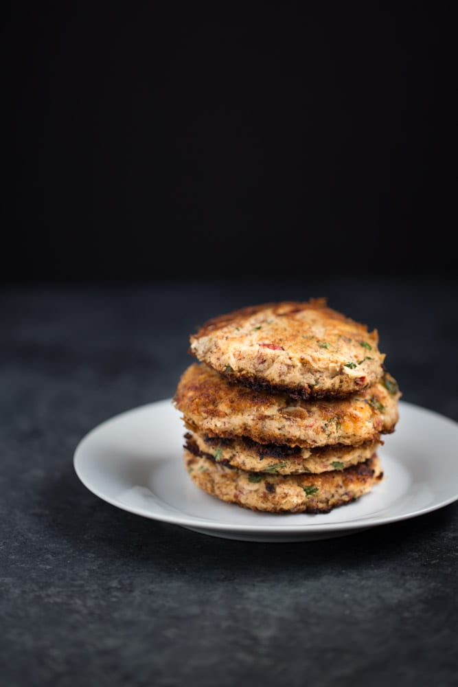 FLAVORFUL Easy Tuna Cakes are paleo + gluten free. Great for lunch or to serve as an appetizer!