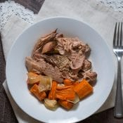 Easy Slow Cooker Chuck Roast with Carrots