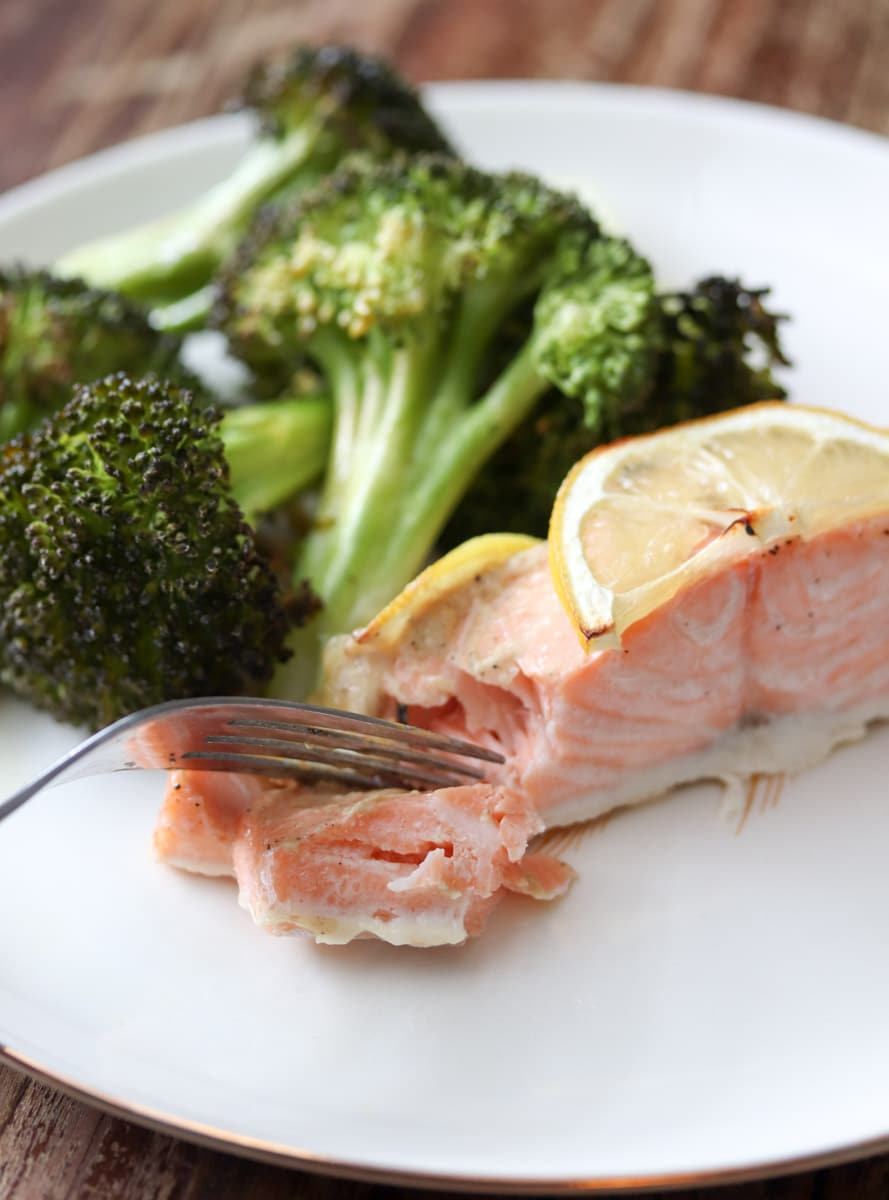 Lemon Dijon Sheet Pan Salmon with Broccoli is an easy cleanup, healthy low carb dinner recipe! If you're watching your carbs and/or eating clean then this recipe is for you!