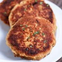 Easy Paleo Salmon Cakes (grain free + dairy free)