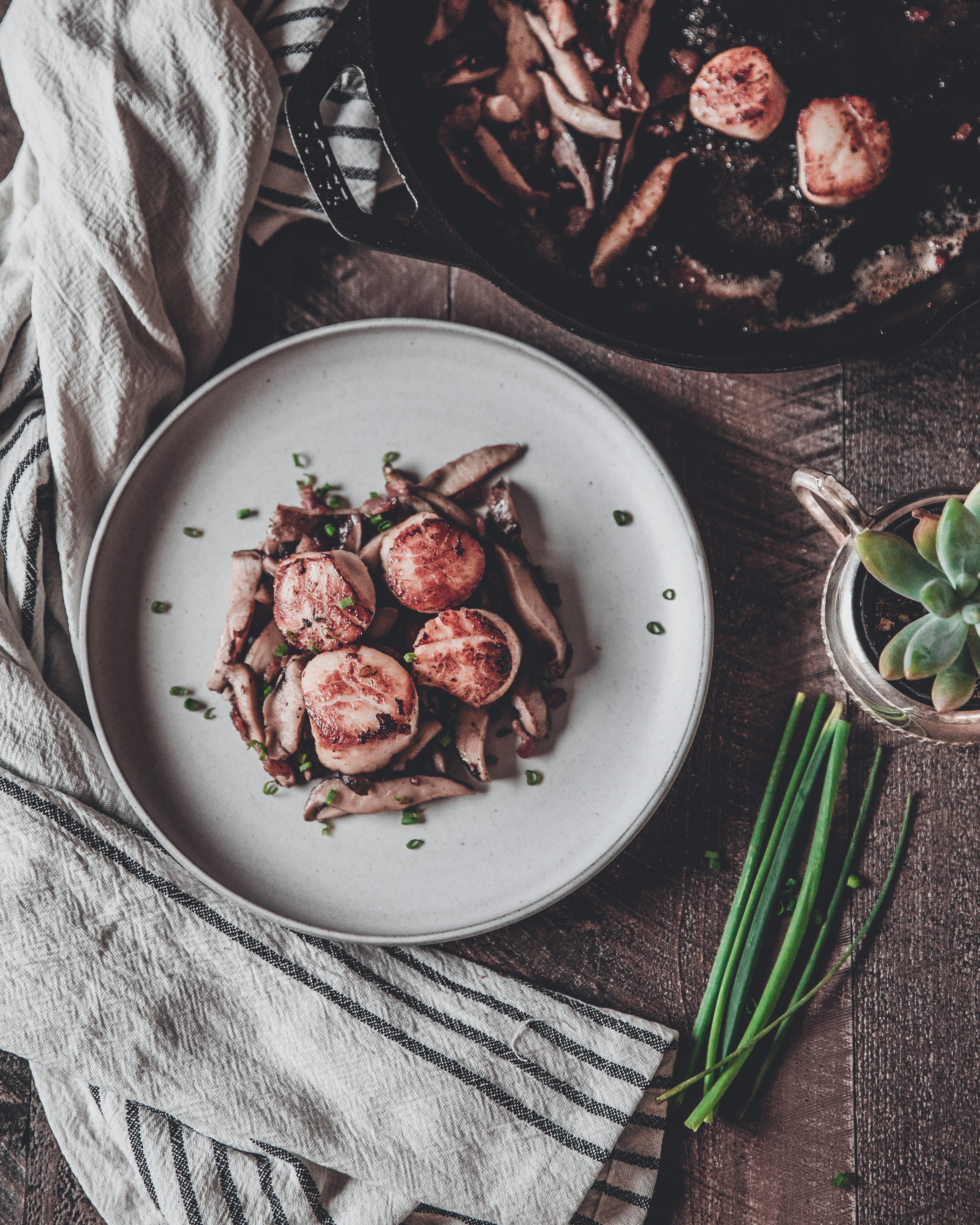 Scallops with Bacon, Mushrooms and Chives