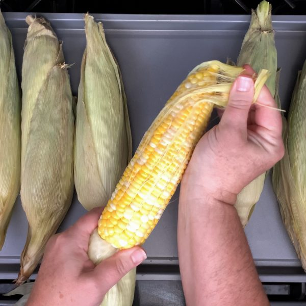 remove-the-silk-from-the-corn