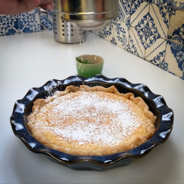 top_with_powdered_sugar